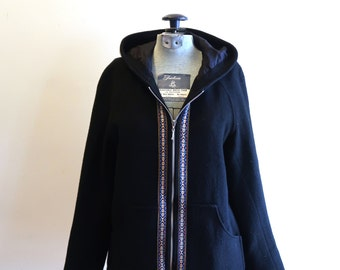 Black wool 90s hooded jacket with guitar strap pattern sz. Small / Medium