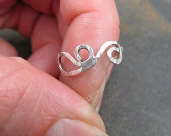 Silver Swirly - Thin Sterling Silver Hammered Band - Minimal Ring Size 6