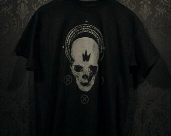 Black crown skull tshirt