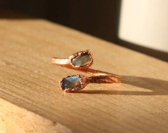 Labradorite ring / petite ring / open ring / electroformed ring / chunky ring / raw stone ring /blue green red ring