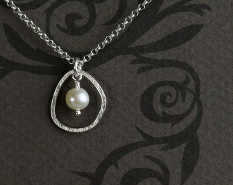 Pearl Pendant in Sterling Silver with One Pebble - Pendant Necklace in Sterling Silver with Freshwater Pearl  - 00330 - by allotria