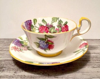 Aynsley Tea cup and Saucer, Yellow Handle, Purple and Pink Hydrangeas, English Tea cup Set, Yellow Trim, Bone China, Made in England