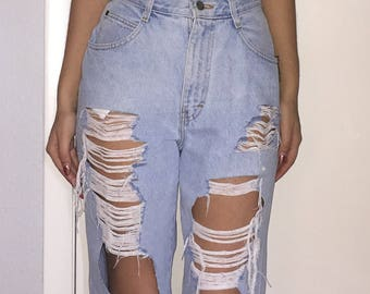 High Waisted Jeans / Ripped Jeans / Mom Jeans / Boyfriend Jeans / Distressed Jeans