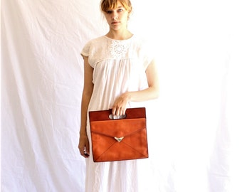 vintage 70s leather bag | envelope clutch