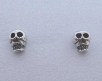 925 Sterling Silver Small Gothic Skeleton Skull Stud Earrings