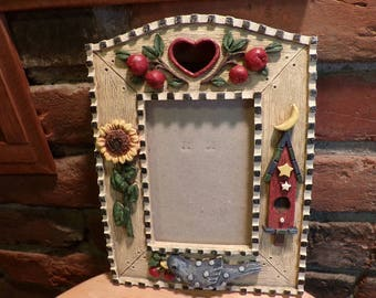 Birdhouse picture frame, Nature picture frame, Picture Frame, Garden Frame, Vintage Resin frame, desk decor, gift for her, Spring frame