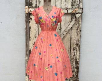 Colorful 1970s 50s stlye Leaf Print Full Dress 30 Waist Medium