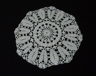 French vintage white cotton crochet doily (03537)