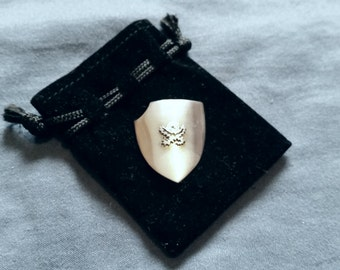 Berserk - Skull Knight rose shield.