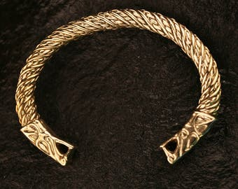 Bronze  fine twist Wolf Head Bracelet