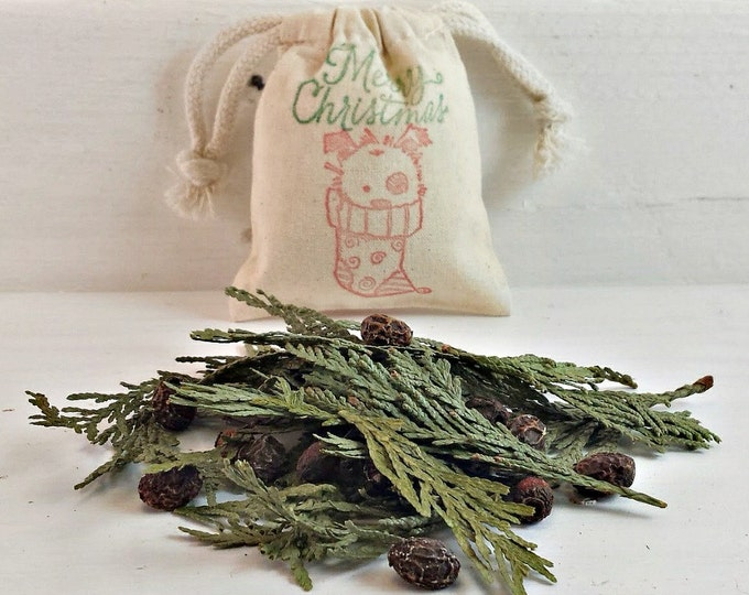 Holiday Scented Herb Sachet, Warm Christmas Scented Potpourri, Christmas Aromatherapy, Holiday Party Favor Bags, Cute Puppy Bags Herb Sachet