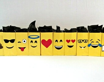 Emoji Loot Bags - emoji party supplies - party decor - party bags