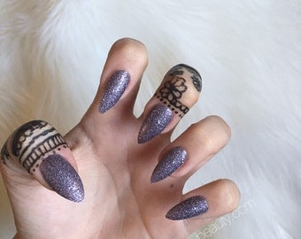 Glittery Press On Stiletto Nails