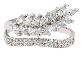 Fashion small crystal tassel silver ring