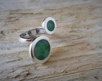 925 Silver double ring with unequal circles with jade or shell, adjustable