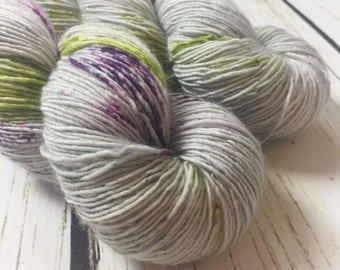 Solo Fingering / Bramble / Speckled Yarn