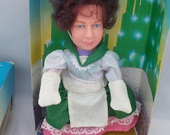 1988 version Turner Entertainment Wizard of Oz Baker doll, Wizard of Oz Munchkin Baker, Munchkin collectible, Wizard of Oz collectible baker
