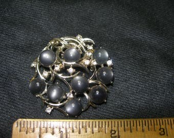 Grey Cabochon Brooch(671)