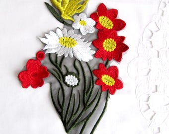 White Flower Patch,Red Flower Applique,Bunch Flower Patch,Daisy  Flower Applique,Red Bunch Patch,Sewing On Applique,Floral Patch