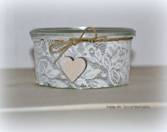 Bohemian tealights: lace, linen and heart-string wooden