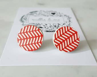 Red and white wooden disc earrings