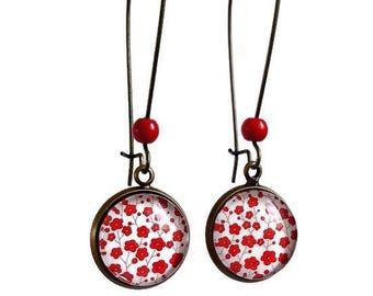 dangling earrings * little red flowers of sakura *, glass cabochon
