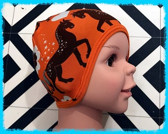 "Sewing pattern  for ""The FUS hat"":  Easy pattern with sizes from newborn to adult"