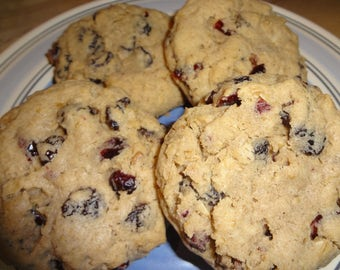 Delicious Homemade Oatmeal Raisin Cranberry Cookies (18 Cookies)