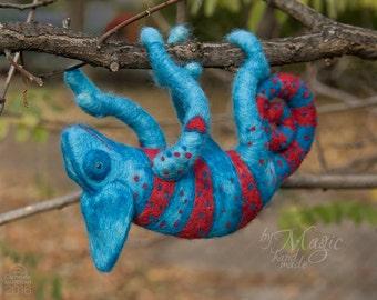 Needle felt chameleon, wool toy, chameleon toy, custom sculpture, felted reptile, soft animal toy, chameleon art