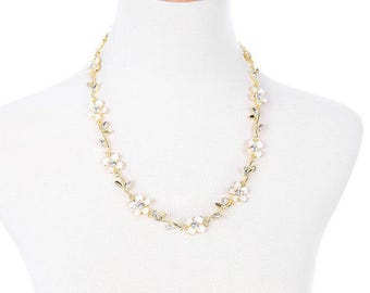 Beautiful White Flowers with Rhinestones Adjustable Gold Chain Statement Necklace