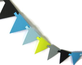 Interlocking Triangle Paper Garland in 6 Foot Increments