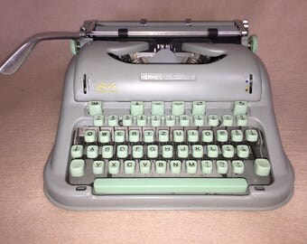Mechanical portable typewriter Hermes 3000 mechanical typewriter