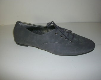Size 9 Grey oxford Shoe (New)
