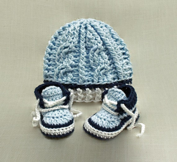 Crochet Baby Hat Pattern and Baby Booties by HandHeartandSole