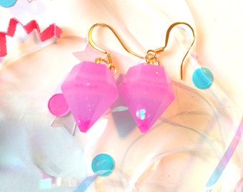 Pink Striped Resin Diamond Earrings with Kawaii Heart Glitter and Gold Plated Hooks