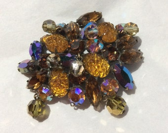 Kramer of New York gorgeous pin multi texture and shades of Topaz