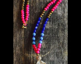 Colorful oyster necklace