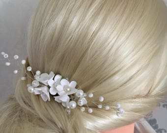 Bridal hair jewelry hair comb with pearls hair arrangement clay flowers beaded DIAdem