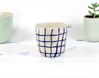 T A S S E S - A - T H E // Tasses céramique rose à oreille / Fait en France / Boire café / Grès blanc moucheté / Artisanal à offrir