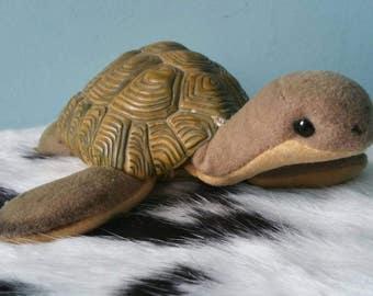 STEIFF sea turtle Slo! With full body shield presumably 80s