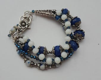 16025 Sodalite, Cats Eye, Glass and Crystal Bracelet