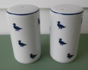 A Vintage Set Of Porcelain White With Blue Ducks Salt And Pepper Shakers, Made In Shafford, Japan
