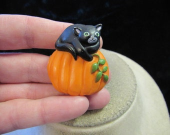 Vintage Halloween Black Cat Orange Pumpkin Pin