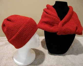 Wool Knit Hat and Cowl Set: Red