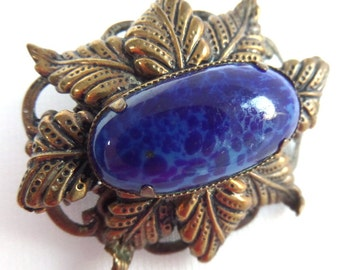 "FREE SHIPPING Lapis Luzuli Brooch, Gold Plated Leaf, Hand Crafted Design, Royal Blue Azure Stone, Costume Jewellery, 1920s, 1.5"" x 1.25"""