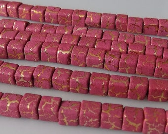 """Mauve 4mm Cube Acrylic Beads with Gold Metallic Highlights (15"""" Strand)"""