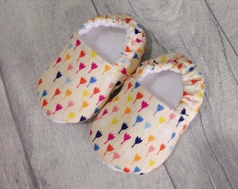 Flower baby shoes, baby girl shoes, soft sole baby shoes, baby slippers, baby booties