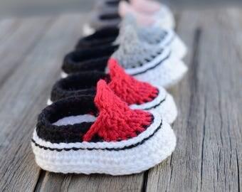 Crochet Baby Sneakers, Crochet Baby Shoes, Booties, Photo Prop, Baby Gift