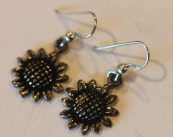 Vintage sterling silver dangle sunflower earrings hooks
