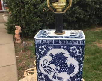 Porcelian Oriental Table Lamp Blue and White